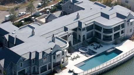 Aerial shot of Derek Jeter's home, worth $7.7