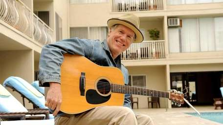 Singer-songwriter Loudon Wainwright III plays Port Washington's Landmark