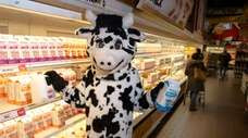 Wow the Cow at Stew Leonard's of Farmingdale.