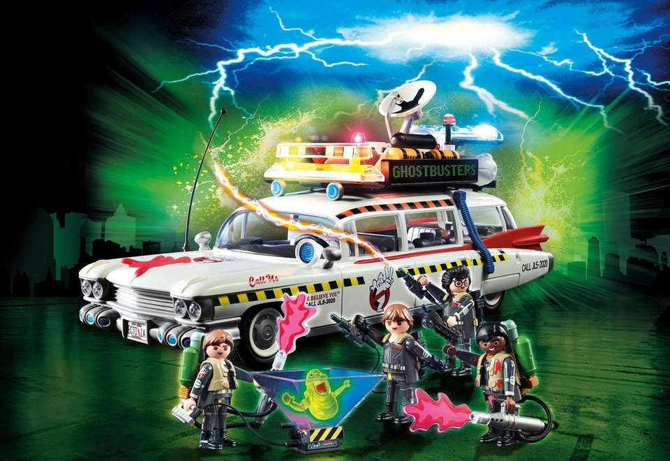 The Ghostbusters Ecto 1-A features a digital annoucement