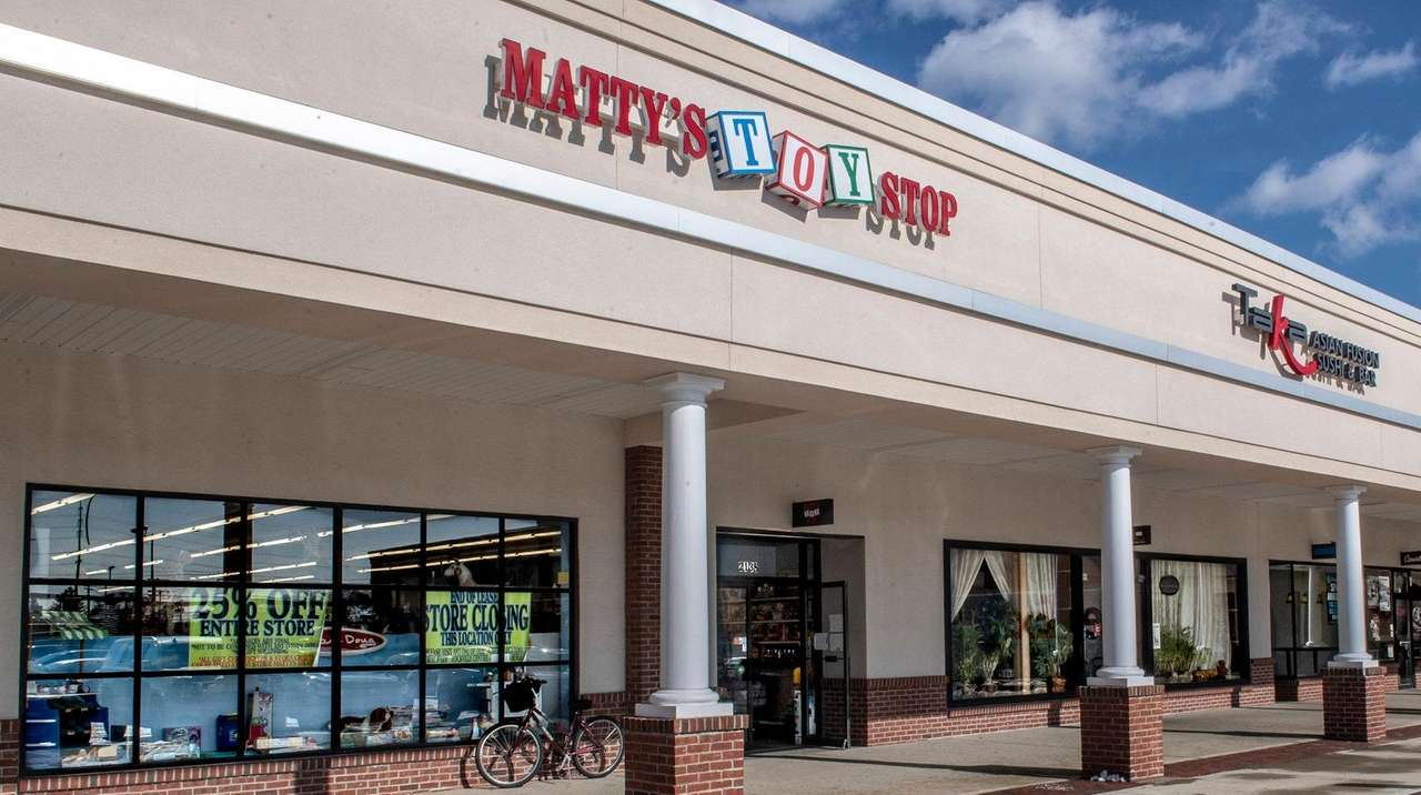 Retail Roundup: Toy store to shutter another location | Newsday