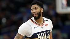 Anthony Davis reportedly would be willing to re-sign
