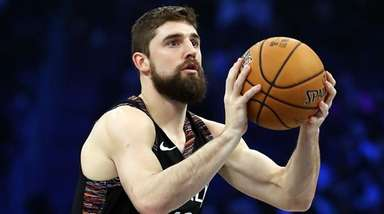 Joe Harris #12 of the Nets takes a