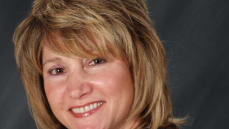 Barbara McDermott has joined RE/MAX Innovations in Wantagh