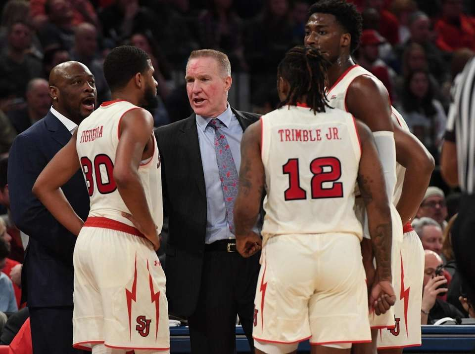 St. John's head coach Chris Mullin directs his