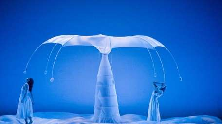 Momix performs in Staller Center's Gala 2011 on