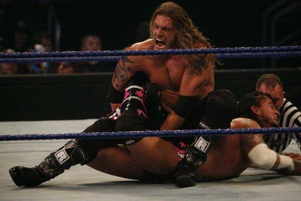 New York, New York: Edge wrestles CM Punk