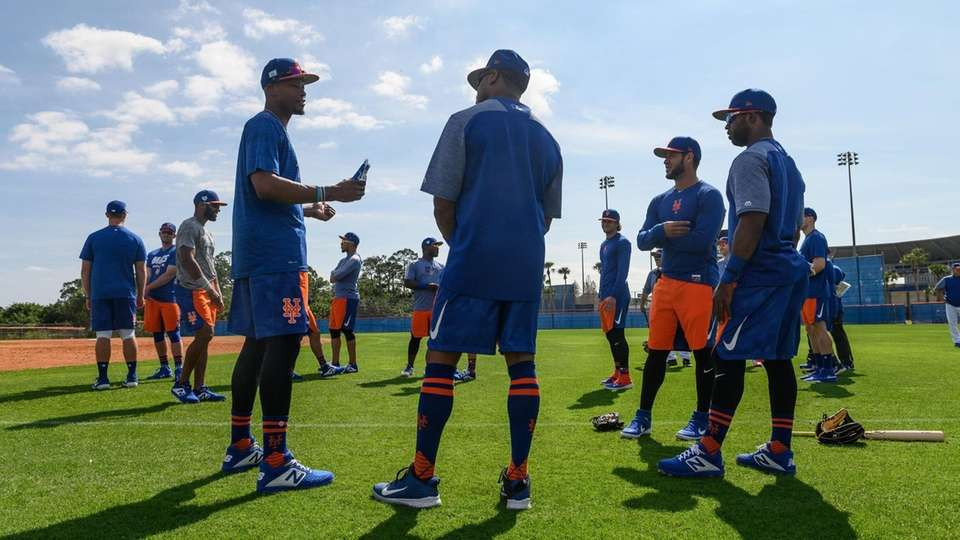 New York Mets players during a spring training