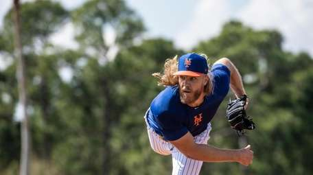 Mets pitcher Noah Syndergaard throws a live batting