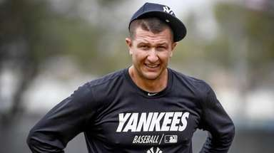Yankees shortstop Troy Tulowitzki works out during spring