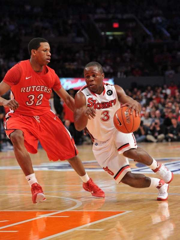 St. John's Malik Boothe drives to the basket