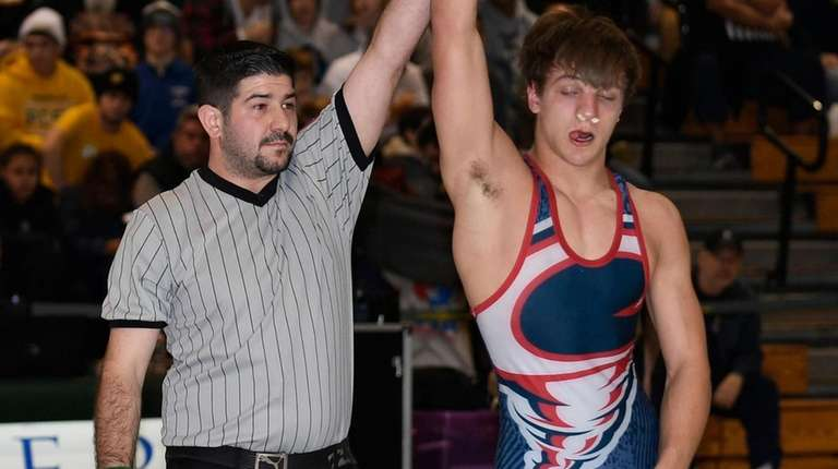 South Side/East Rockaway's Kyle Mosher eyeing a state wrestling title