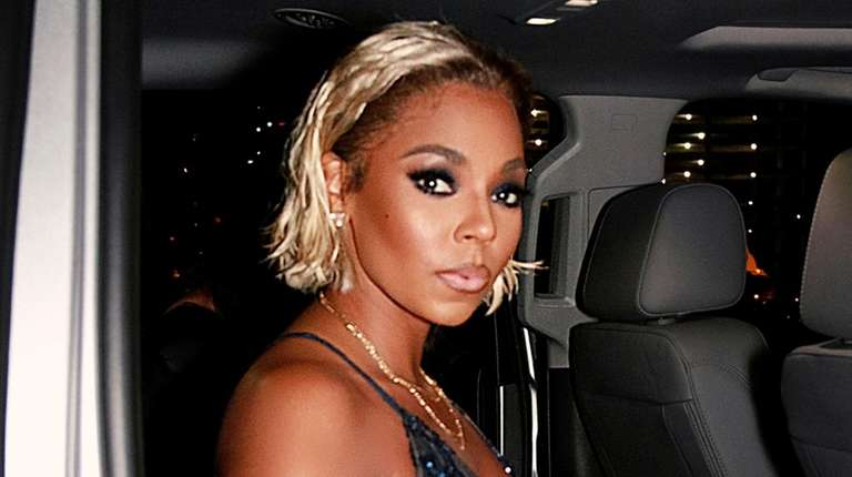 Pop star Ashanti had a blunt cut, platinum