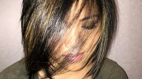 Elana Howe, 21, went for a mega hair