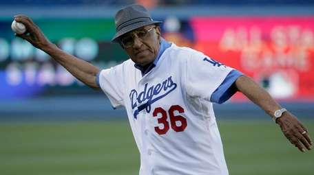 Don Newcombe participates in the first pitch ceremony
