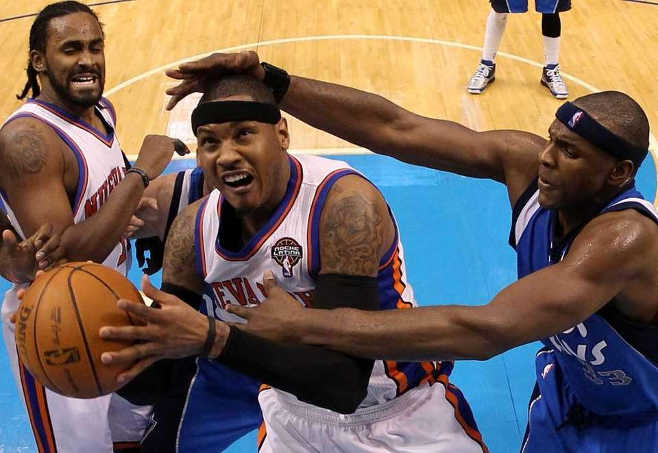 Forward Carmelo Anthony #7 of the New York