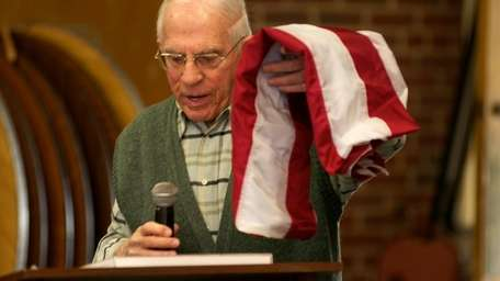 Melvin Sachs, 90, president of the veterans club