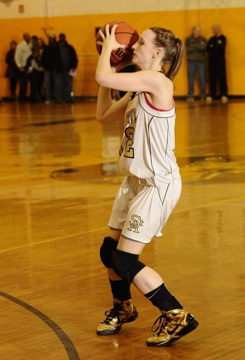 St. Anthony's Rebecca Musgrove sets up to shoot