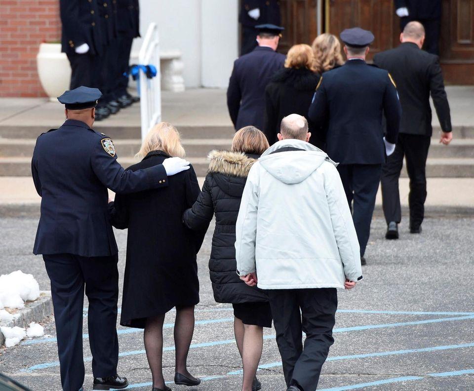 The family of fallen NYPD Det. Brian Simonsen