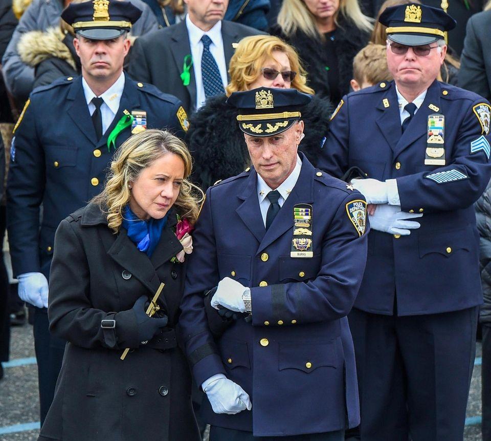 Leanne Simonsen, wife of fallen NYPD Det. Brian