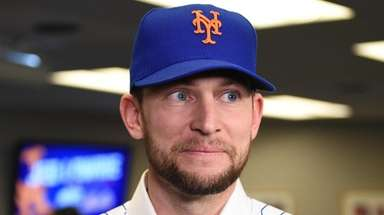 Jed Lowrie was introduced at Citi Field on
