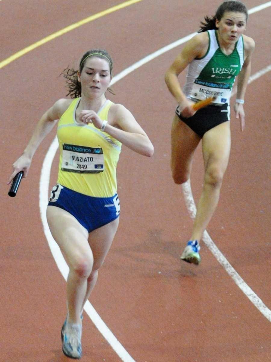 Northport's Janna Nunziato, left, runs in Heat 3