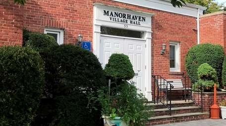 Manorhaven Village's zoning board voted 3-2 to accept
