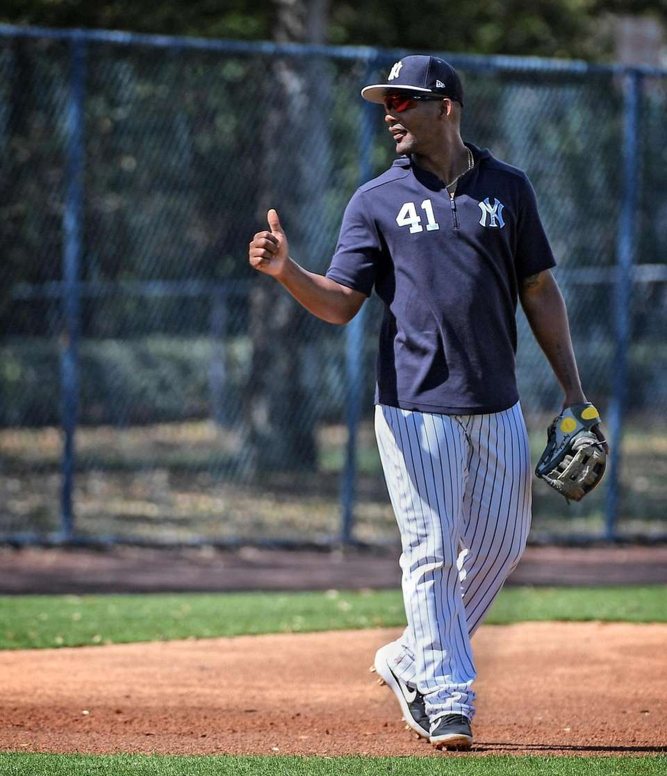 New York Yankees Miguel Andujar drills on the
