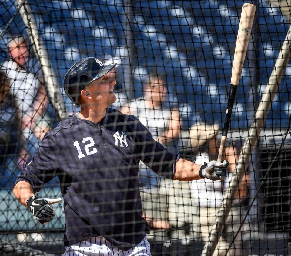 New York Yankees Troy Tulowitzki takes batting practice