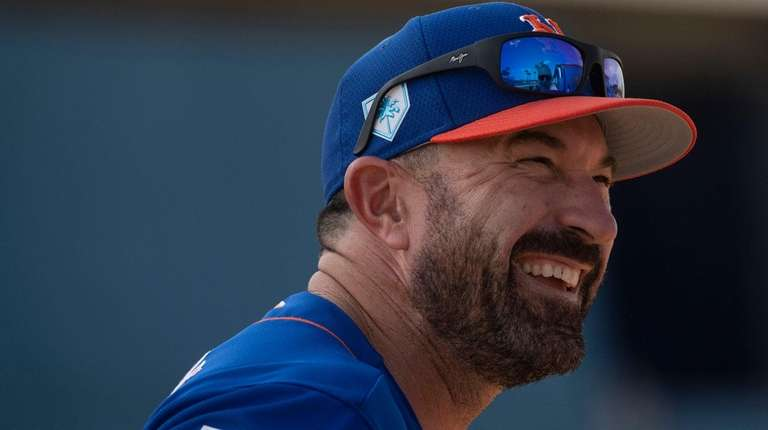 Mets manager Mickey Callaway smiles during a spring