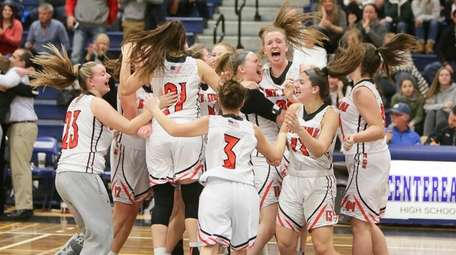 Mt Sinai players celebrate their win over Westhampton