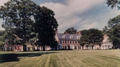 A 20,000-square-foot Georgian-style mansion in Old Westbury once