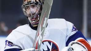 New York Islanders goalie Al Montoya (35) reacts