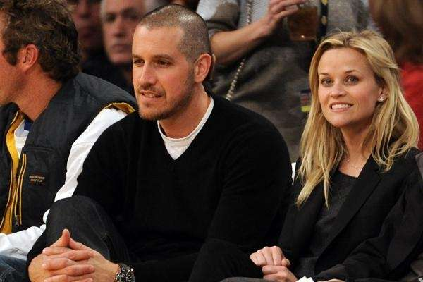 Reese Witherspoon wed talent agent Jim Toth on