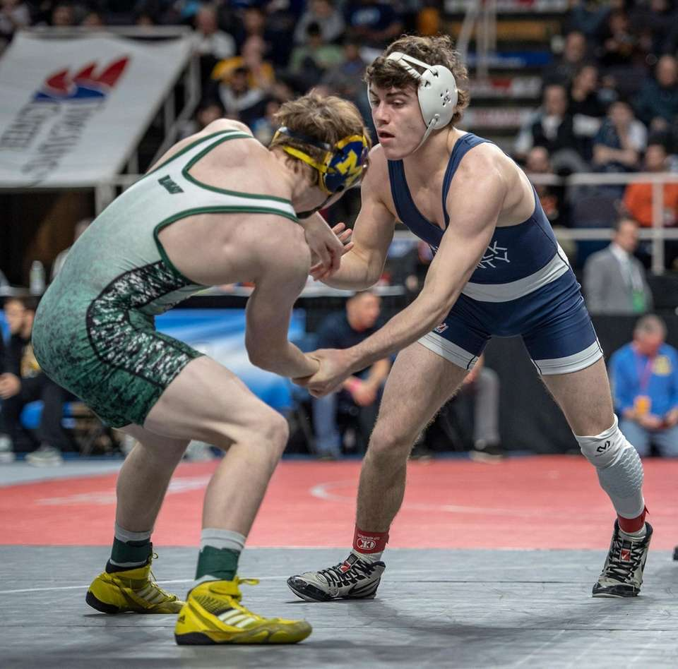 Haupauge High School Dan Maurello wrestling Massapequa High