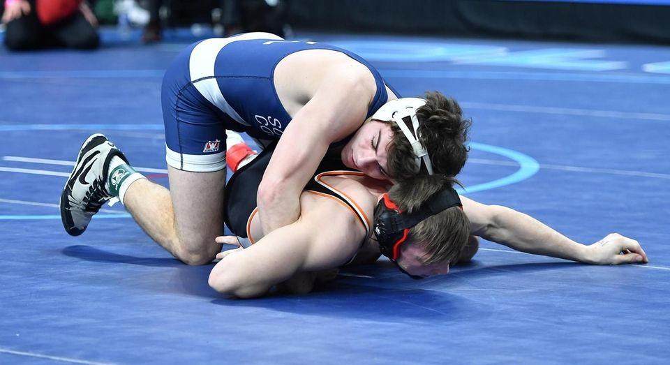 Dan Mauriello, Hauppauge, blue, wrestling Ryan Stencel, Lancaster