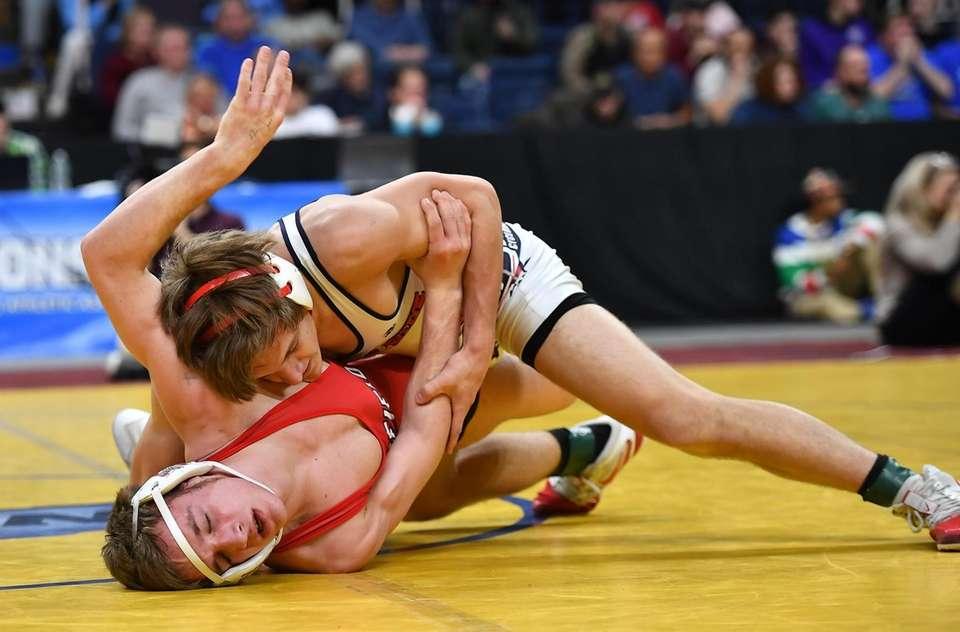 Kyle Mosher, South Side/East Rockaway defeats Cooper Kropman