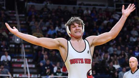 Kyle Mosher, South Side/East Rockaway defeats Cooper Kropman