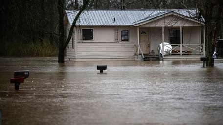 Homes along Alabama Street in Courtland sit in