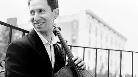 Aron Zelkowicz, cellist.