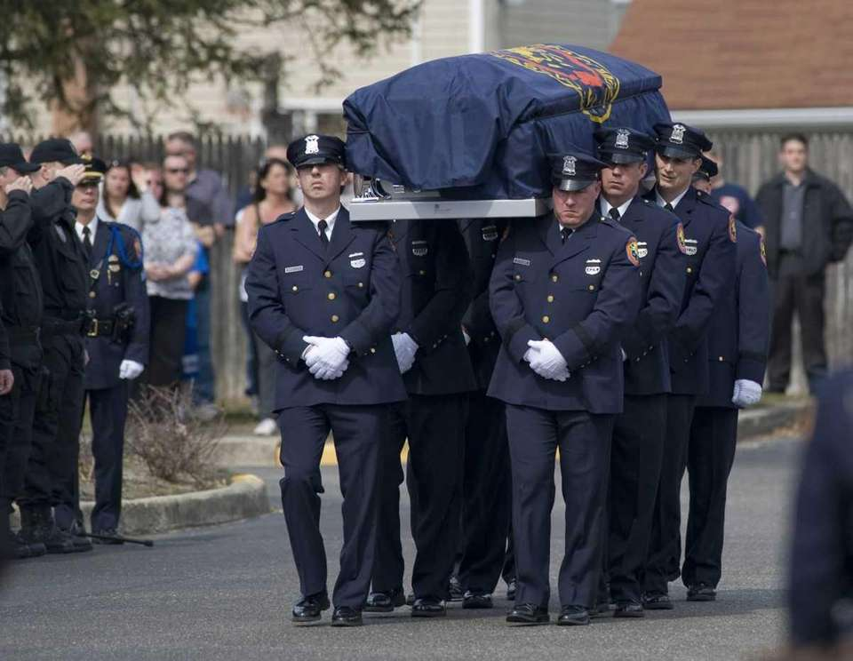 The death of Nassau police officers Geoffrey J.