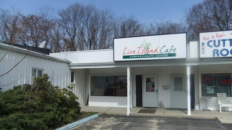 Live Island Cafe, Huntington