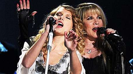 Taylor Swift and Stevie Nicks
