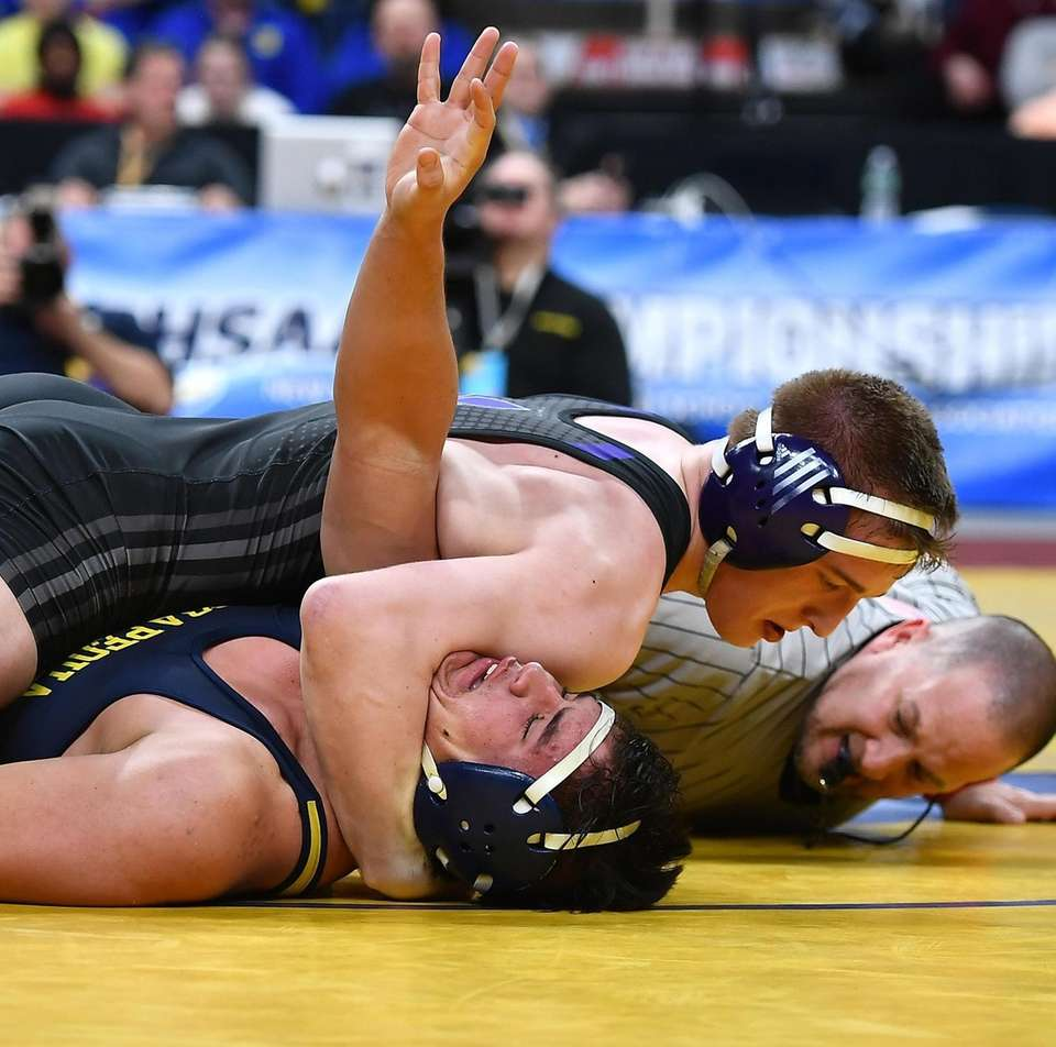 Angelo Petrakis, Massapequa is defeated 19-3 by Jake