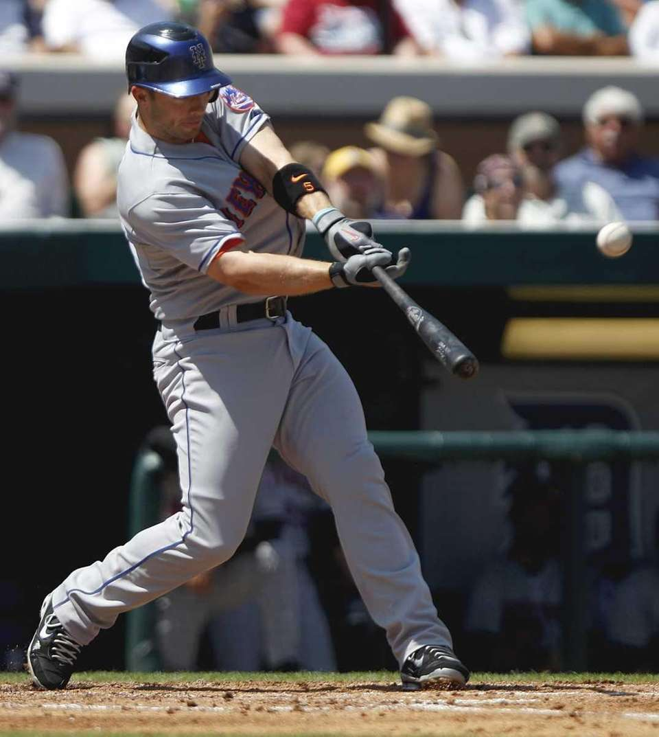 New York Mets' David Wright hits an RBI