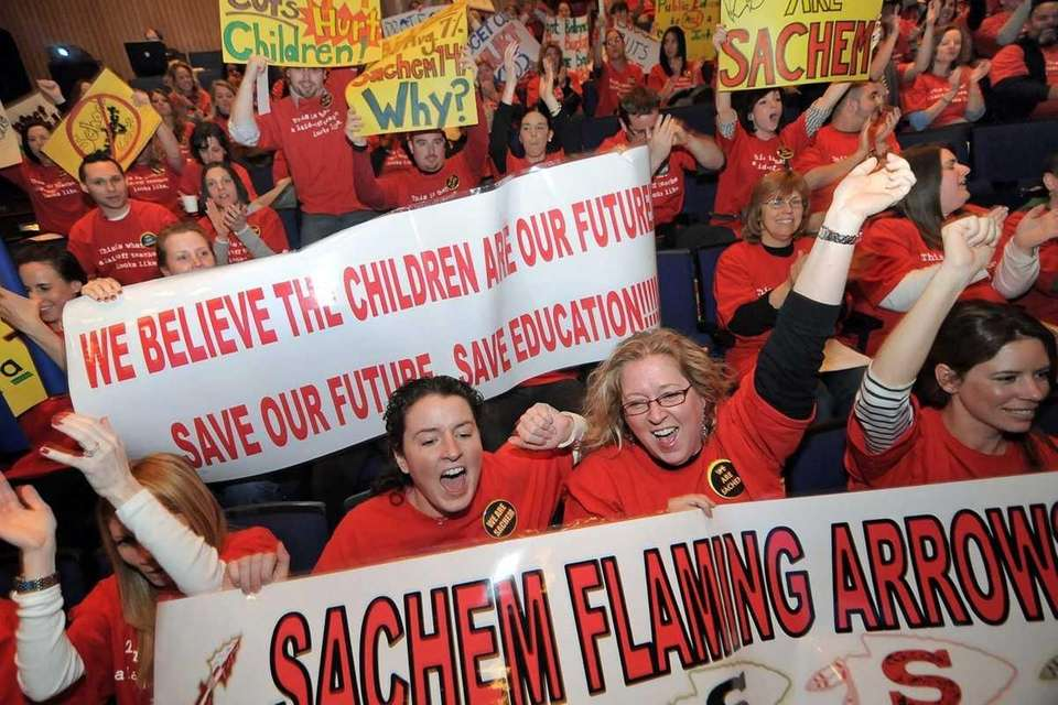 Teachers from the Sachem school district rally Wednesday
