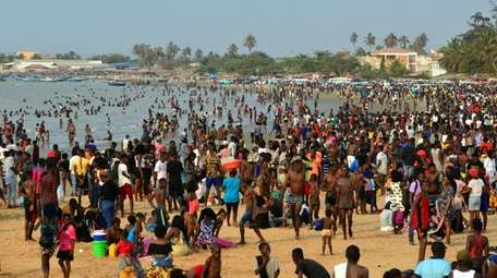 A large crowds on Cacuaco bay, north of