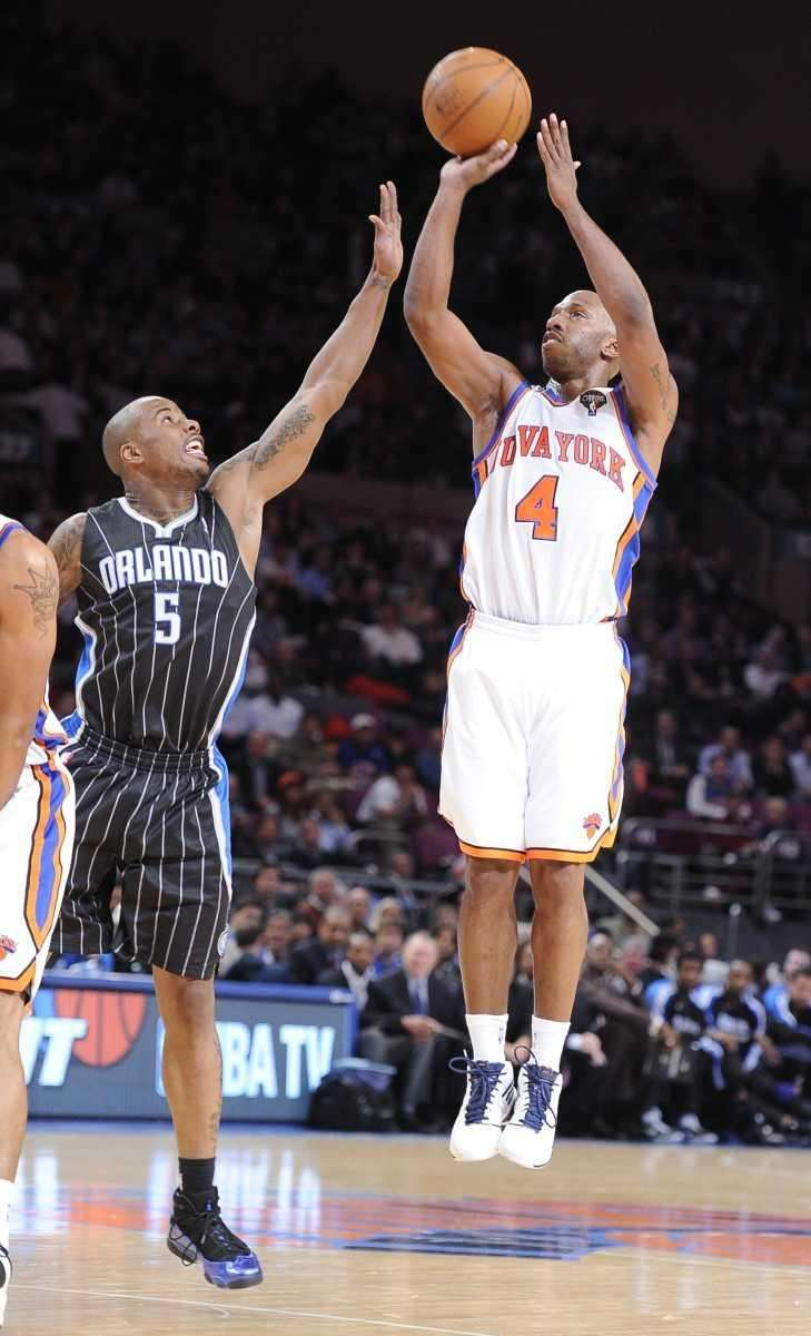 The New York Knicks' Chauncey Billups shooting over