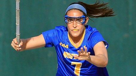 Hofstra's Alyssa Parrella breaks down the field against