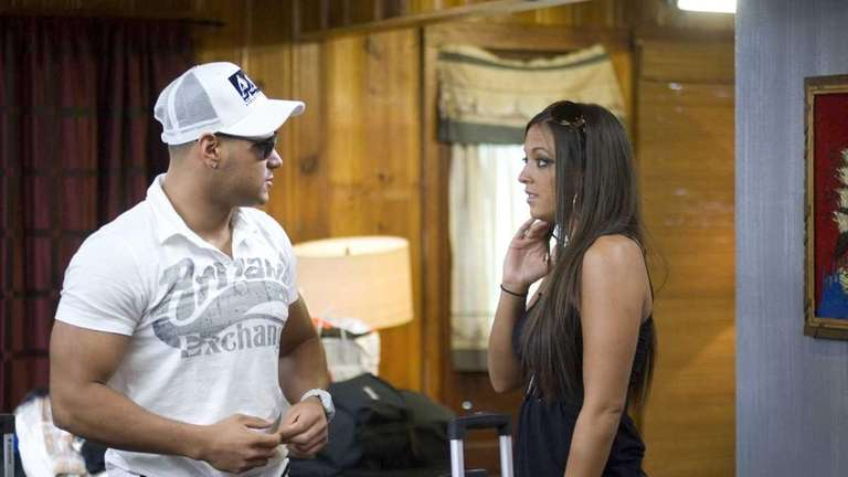 Pictured: Ronnie Ortiz Magro and Sammi Gianacola in